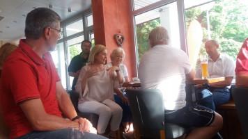 Unsere Landtagsabgeordnete und Kreisrätin im intensiven Austausch
